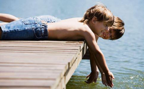 助孩子长高的五个重点:睡前做运动