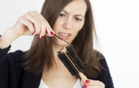产后脱发吃什么好 产后脱发严重吃什么 产后脱发食补