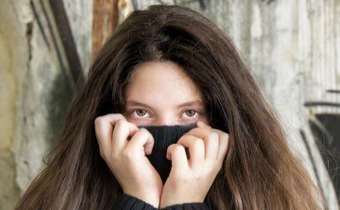 熬夜有眼袋怎么办 祛眼袋的方法有哪些 怎么才能祛眼袋