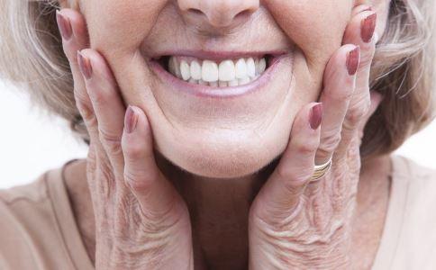 如何美白牙齿 牙齿美白小窍门 怎么保护牙齿