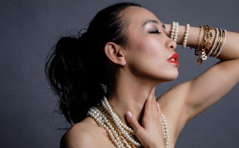 金属过敏怎么办 戴首饰过敏怎么办 金属过敏如何治疗