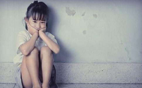 自闭症的症状与表现 自闭症的原因 自闭症的病因