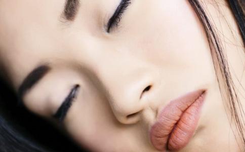 怎么减双下巴 瘦双下巴最好的方法是什么 双下巴吃什么食物好