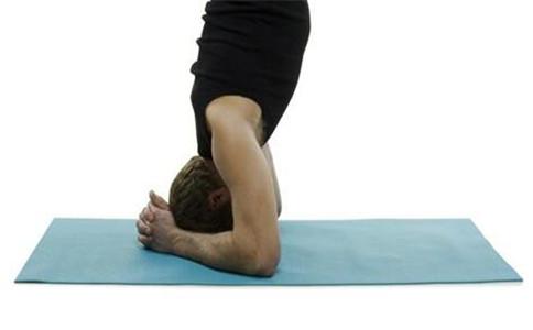 如何练习双手倒立  倒立的四大好处
