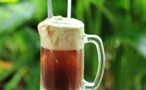夏季喝冷飲的4個危害 傷腸胃降低食欲