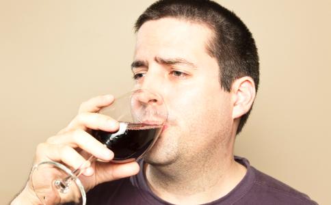 喝酒有哪些好处 喝酒注意哪些方法 喝酒的功效