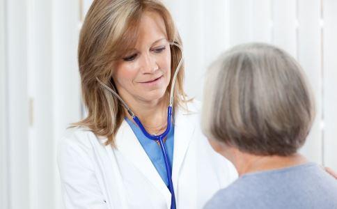 睑黄疣是怎么回事 冠心病有哪些症状 保护心血管健康怎么做