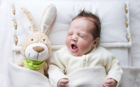 宝宝夏天可以睡凉席吗 婴儿可以睡凉席吗 小宝宝可以睡凉席吗