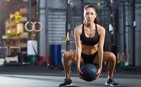 臀部又榻又扁怎么办 提臀的方法有哪些 怎么做可以快速提臀
