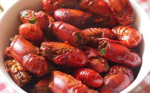 小龙虾批发价暴涨50% 吃小龙虾的好处 吃小龙虾注意哪些事