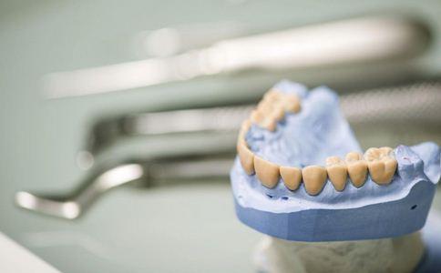 如何诊断牙龈炎 牙龈炎的诊断方法 牙龈炎如何诊断
