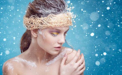 夏季如何补水 夏季皮肤补水方法 皮肤补水注意什么