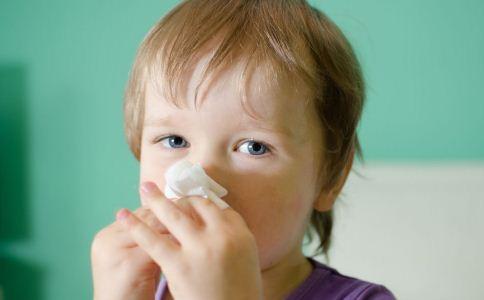 过敏性鼻炎对宝宝的危害 治疗过敏性鼻炎的方法 如何治疗过敏性鼻炎