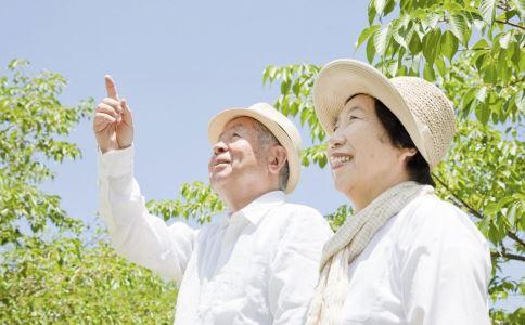 导致老年斑的原因有哪些 如何去除老年斑 去除老年斑有什么方法