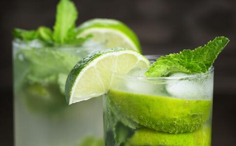 柠檬怎么喝可以减肥 柠檬减肥食谱有哪些 柠檬泡水喝的方法