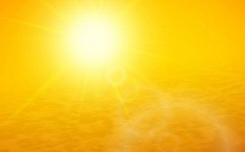 非洲游客天安门广场中暑 非洲游客中暑 三伏天预防中暑