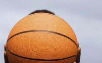 男子高温下打球险丧命 中暑的预防方法
