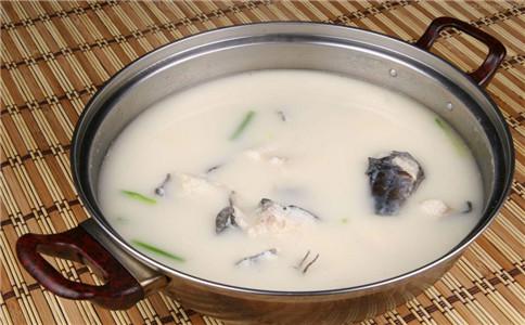 鲫鱼豆腐汤怎么做 鲫鱼豆腐汤做法 豆腐鲫鱼汤有什么功效