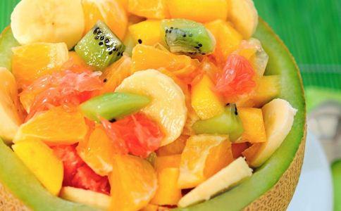 女性养颜排毒吃什么沙拉好 哪些水果沙拉能养颜排毒 女性养颜排毒吃什么好