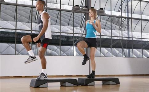 踏板操基本步伐 踏板操注意事项 踏板操的好处