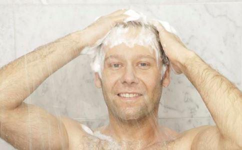 心脏病患者如何洗澡 心脏病洗澡步骤是什么 心脏病患者洗澡应注意什么