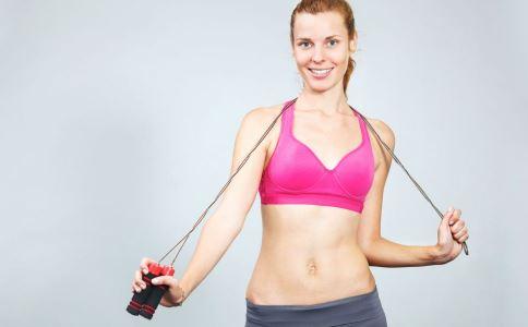 手臂肥胖怎么减 水肿型手臂肥胖怎么办 如何按摩瘦手臂