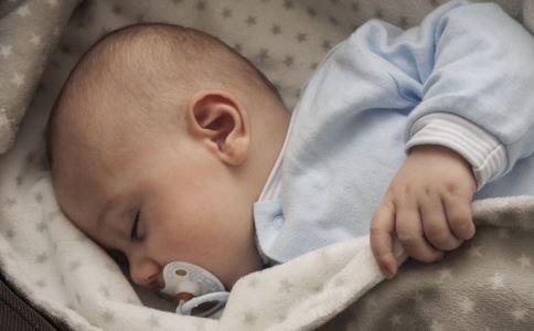 如何选购奶嘴 奶嘴选购 新生儿婴儿奶嘴怎么选