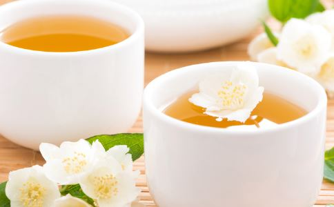 哪些花茶能保护眼睛 办公室喝什么花茶能护眼 护眼的食物有哪些