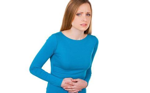 下腹剧痛是卵巢炎吗 卵巢炎的危害有哪些 卵巢炎有哪些症状表现