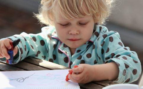 怎么开发宝宝大脑 宝宝大脑 怎样开发宝宝的大脑