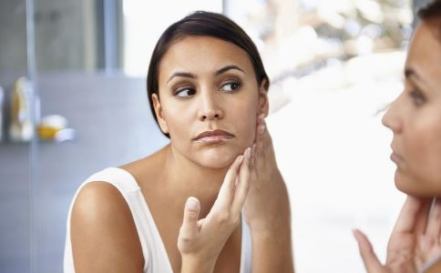 月经不调的原因是什么 月经不调脸上会长斑吗 月经不调脸上长斑怎么办