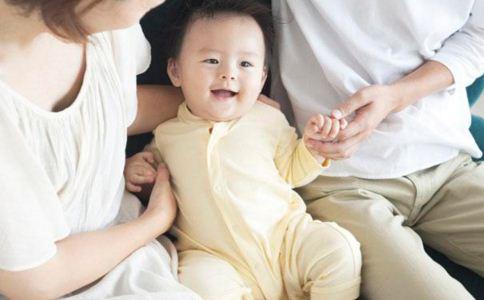 小儿脑瘫的征兆 小儿脑瘫的早期症状 小儿脑瘫的自然疗法