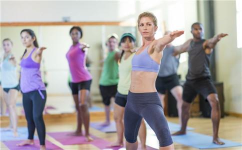 有氧健身操的好处 办公室白领健身操 健身操注意事项