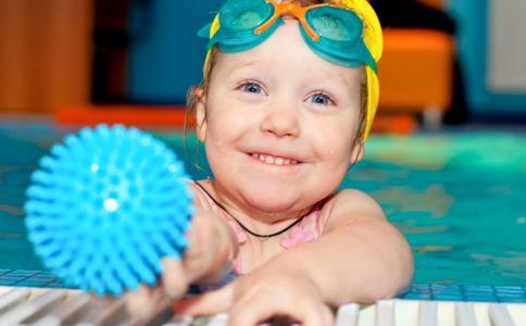 如何预防孩子的眼外伤 保护孩子的眼睛应该怎么做 眼外伤的急救措施