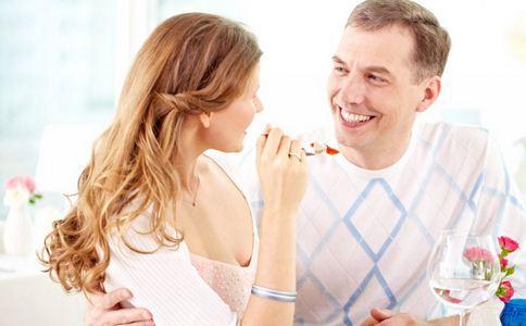 婚后男人爱你的表现 结婚后哪些表现说明爱你 真心爱你的表现
