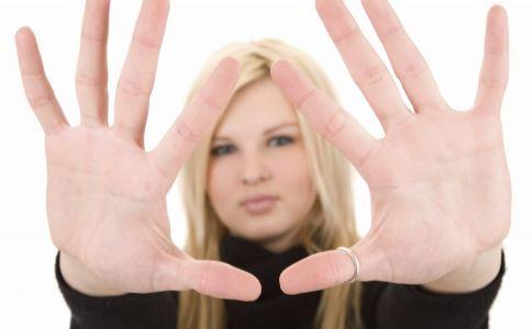 如何保湿手部滋润 哪些习惯最毁手