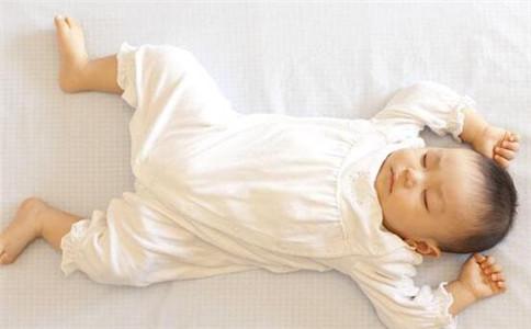 夏天宝宝怎么护肤 夏天宝宝护肤吃什么 婴儿夏天护肤方法