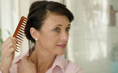 梳发保健法  揭秘梳子里的小秘密