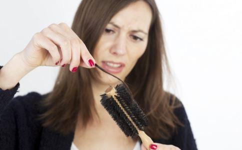 脱发的原因有哪些 为什么会脱发 治疗脱发吃什么
