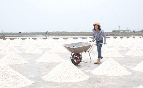 工业盐腌制黄瓜被抓 工业盐的危害 工业盐有哪些危害