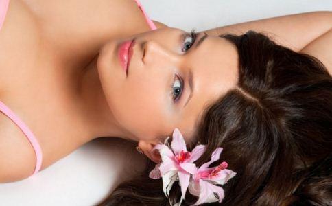 女人经期皮肤为什么变差 经期皮肤变差怎么办 经期前后护肤妙招