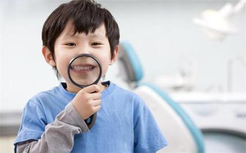 孩子腋臭的原因 孩子得了腋臭怎么办 小孩子腋臭怎么治
