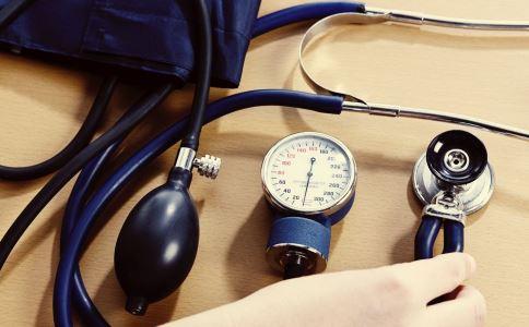 假性高血压是什么 假性高血压是怎么引起的 假性高血压有哪些表现