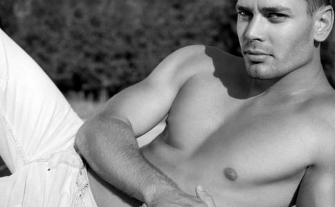 男人身体透支的信号有哪些 男人身体透支的表现 哪些症状是身体透支的表现