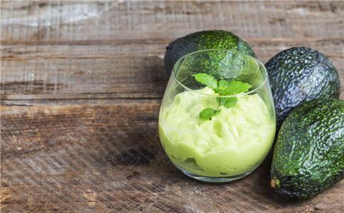牛油果可以丰胸吗 牛油果丰胸的吃法 牛油果有什么功效