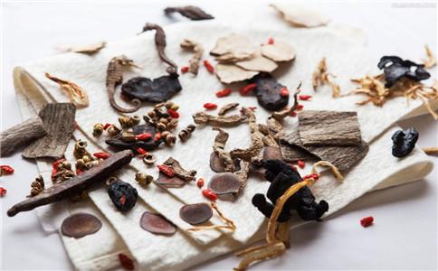 杜仲茶有什么功效 杜仲茶哪些人不适宜喝 什么人可以喝杜仲茶