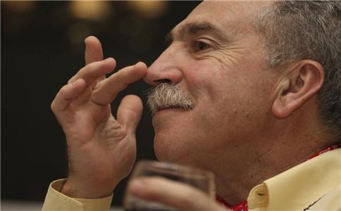 酒糟鼻怎么预防 酒糟鼻如何检查 酒糟鼻怎么护理