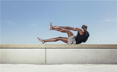 如何在家练肱二头肌 在家练肱二头肌方法 健身锻炼注意事项