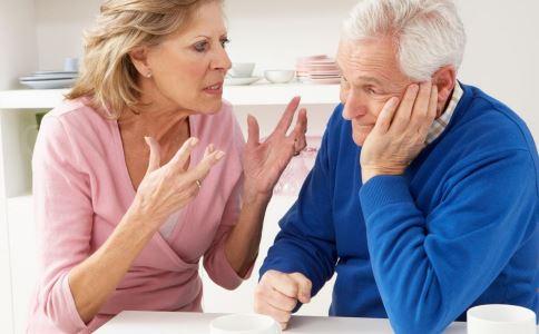 帕金森氏病有什么症状 帕金森氏病怎么预防 帕金森氏病症状表现有哪些
