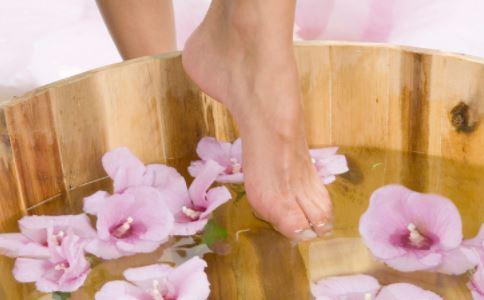 中药泡脚可治疗痛经吗 如何治疗痛经 治疗痛经有什么方法